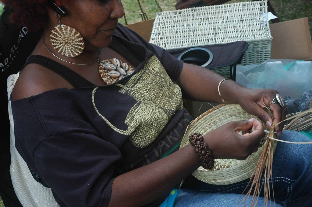 Gullah Sweetgrass Basket Weaver