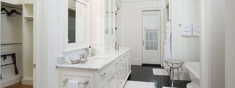 MBR1002 Master Bathroom
