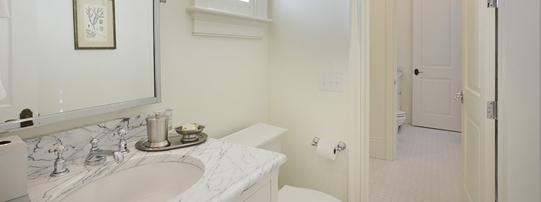 MBR1002 Bathroom 3